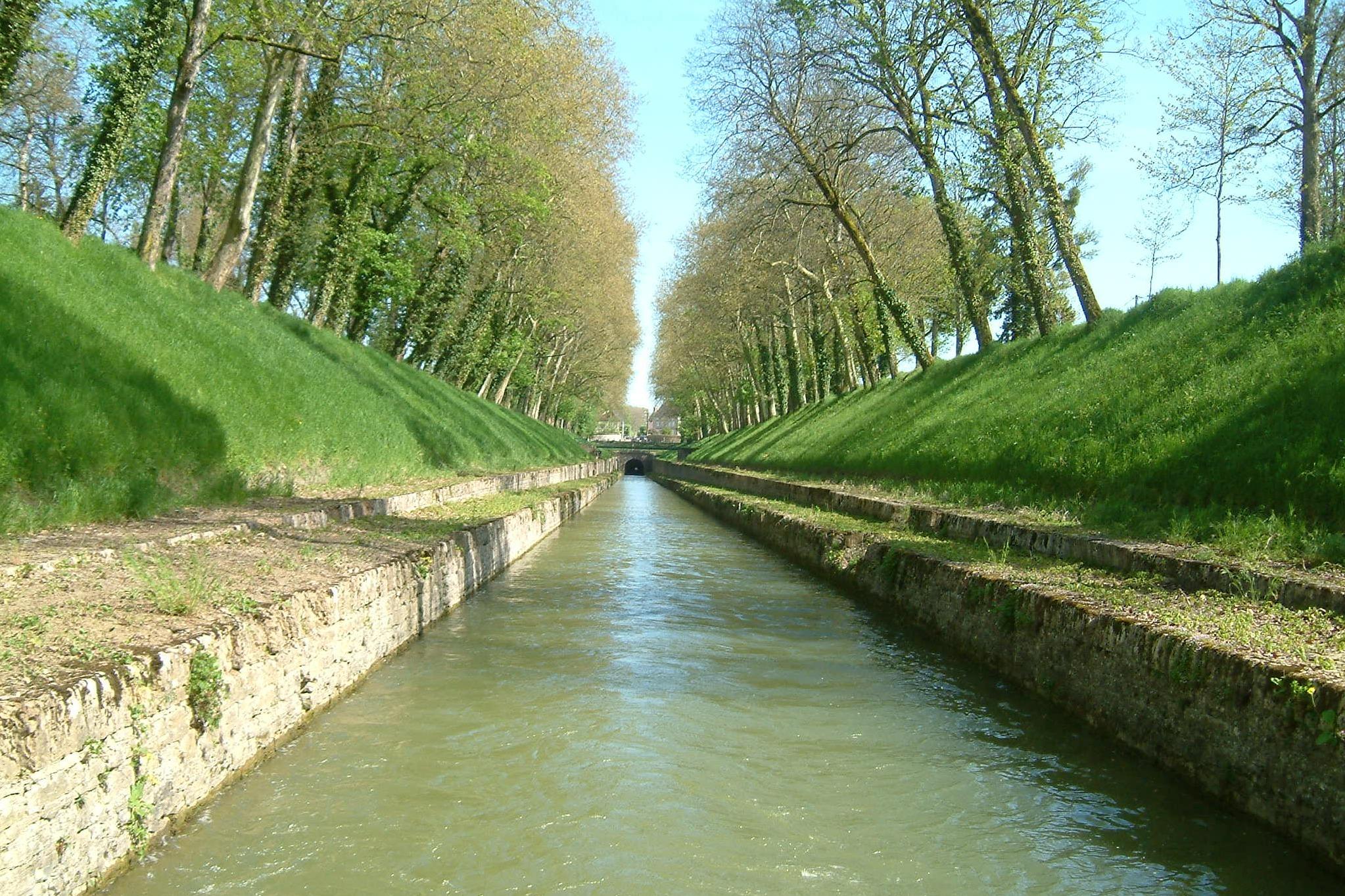 Hidráulica Conceitos Essenciais - Canal de Bourgogne
